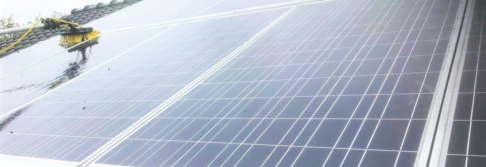 ecotrading-cleaning-zonnepanelen-reinigen-banner-2